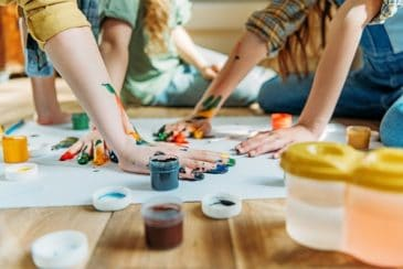 kids painting with toxic products